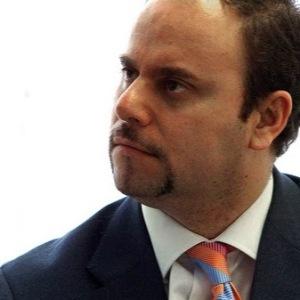 Manuel Carrillo, Director Revista tender