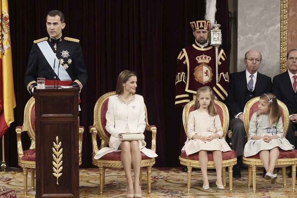 El-rey-Felipe-VI-durante-su-pr_54410103462_54028874188_960_639